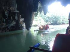 パラワン洞窟ボート